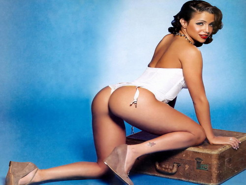 Vida Guerra wallpaper probably containing attractiveness and skin titled Vida