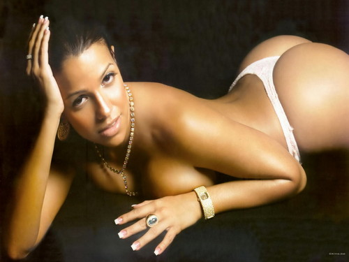 Vida Guerra kertas dinding with skin called Vida