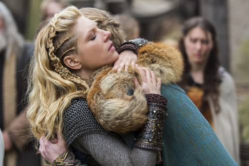 """vikings (serial tv) wallpaper with a bulu mantel titled Vikings """"Answers in Blood"""" (2x05) promotional picture"""