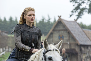 "Vikings ""Answers in Blood"" (2x04) promotional picture"