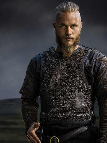 Vikings (TV Series) wallpaper probably with a shield titled Vikings Season 2 Ragnar Lothbrok official picture