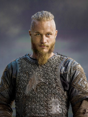 Vikings fond d'écran with a breastplate, an armor plate, and a fauld, faux entitled Vikings Season 2 Ragnar Lothbrok official picture
