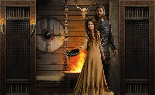 vikingos (serie de televisión) wallpaper probably with a rua entitled Vikings Season 2 Rollo and Siggy official picture