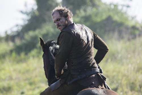 """Vikings (TV Series) پیپر وال with a horse trail, a horse wrangler, and a saddle horse called Vikings """"The Choice"""" (2x09) promotional picture"""