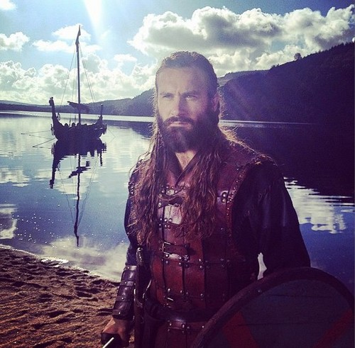 vikingos (serie de televisión) wallpaper probably with a herring called Vikings season 3 filming picture