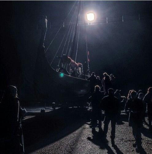 Vikings (TV Series) karatasi la kupamba ukuta possibly with a tamasha titled Vikings season 3 filming picture