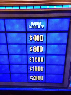 Yesterday Daniel Radcliffe Was On Jeopardy! TV 表示する (Fb.com/DanieljacobRadcliffefanClub)