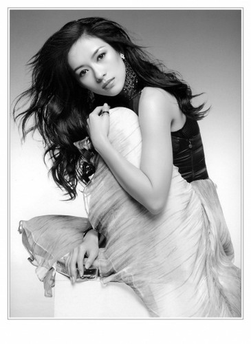 Physical Beauty wallpaper probably containing skin and a portrait called Ziyi Zhang