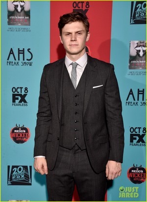 cast @ the 'American Horror Story: Freak Show' Premiere