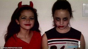 demi and selena on halloween as kids
