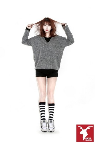 EXID (이엑스아이디) 바탕화면 probably with hosiery, tights, and a legging called EXID for AKII CLASSIC KOREA
