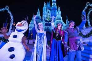 'A Frozen - Uma Aventura Congelante Holiday Wish' at Magic Kingdom