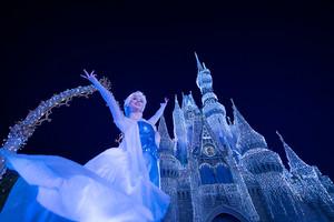 'A Nữ hoàng băng giá Holiday Wish' at Magic Kingdom