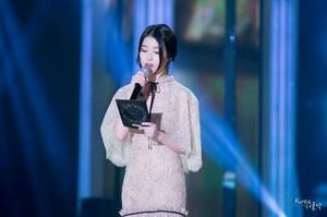 141113 IU(アイユー) at the 2014 MelOn 音楽 Awards