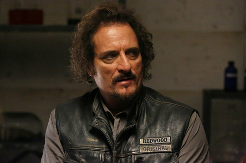 Sons Of Anarchy wallpaper entitled 7x09 - What a Piece of Work Is Man - Tig