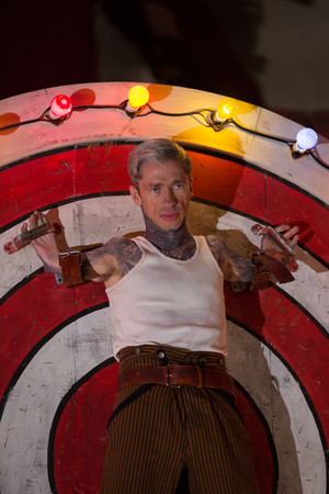 "AHS Freak Show ""Bullseye"" (4x06) promotional picture"