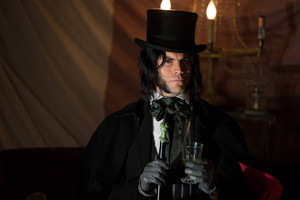"AHS Freak Zeigen ""Edward Mordrake: part 2"" (4x04) promotional picture"