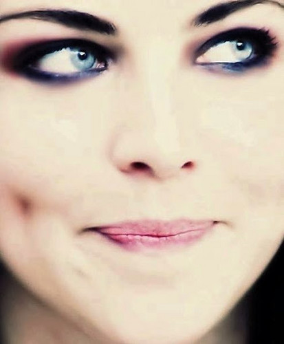 Evanescence wallpaper containing a portrait called Amy♥