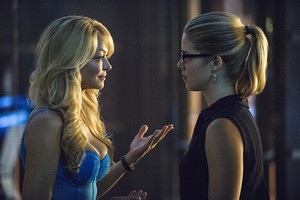 "arrow imágenes From ""The Secret Origin of Felicity Smoak"""