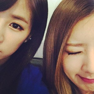 Chorong and Bomi Newest Selca