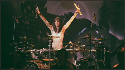 Christian Coma hình nền containing a buổi hòa nhạc and a tay trống called Christian Coma