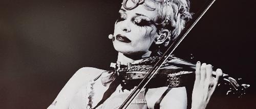 Emilie Autumn wallpaper with a violist entitled Emilie Autumn