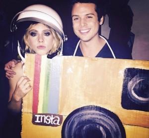 Emily attended Matthew Morrison's 万圣节前夕 bash