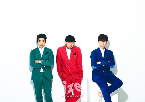 Epik High karatasi la kupamba ukuta possibly containing a well dressed person, a business suit, and a kimono entitled Epik High - ize Magazine November Issue '14