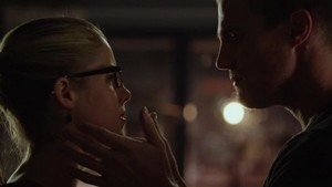 First rendez-vous amoureux, date on Arrow