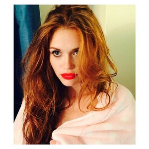 Holland Roden por Carole Cortese