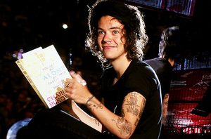 I wanna read that book too!!!
