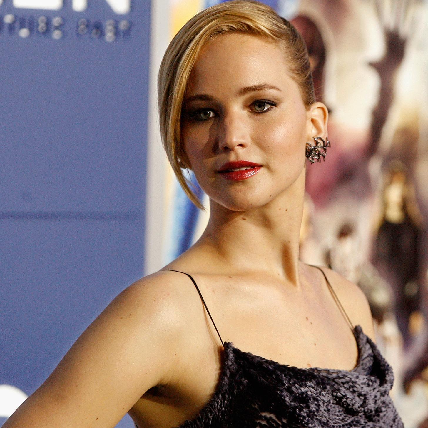 Jennifer Lawrence - Ho...