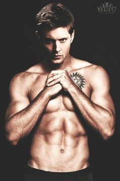 jensen ackles wallpaper containing a six pack, a hunk, and skin entitled Jensen Ackles Shirtless