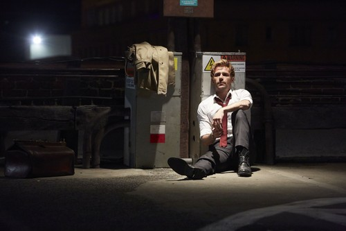 Constantine (NBC) 壁纸 containing a street, a business suit, and a lectern called John Constantine