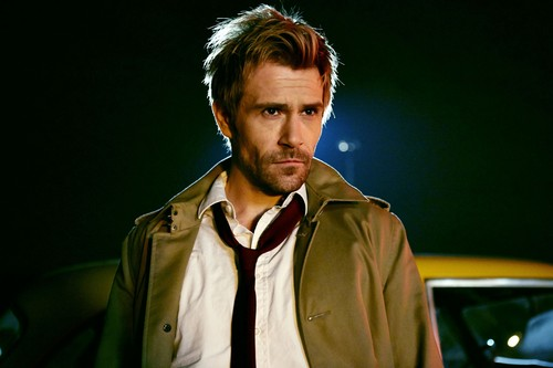 Constantine (NBC) 壁纸 containing a trench 涂层, 外套 entitled John Constantine