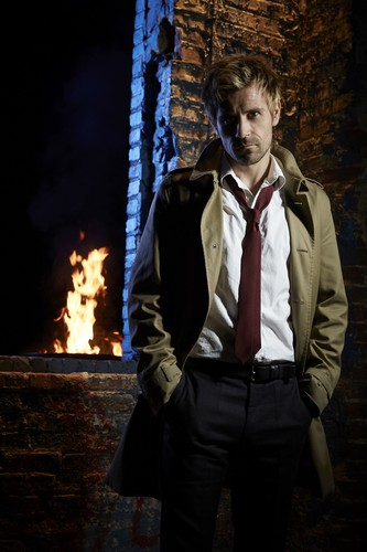 Constantine (NBC) 壁纸 with a fire, a business suit, and a 火, 消防 titled Constantine Promo