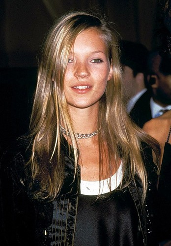 Physical Beauty wallpaper with a portrait called Kate Moss (1990s)