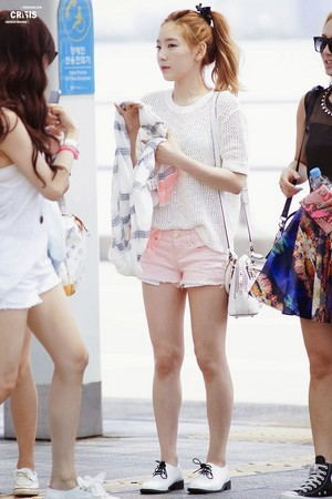 Kim Taeyeon airport fashion