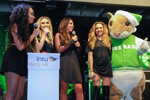 Little Mix at Merry Hill's giáng sinh Lights Switch On Event