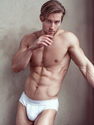 Hottest Actors wallpaper containing a six pack, a hunk, and skin called Luke Guldan