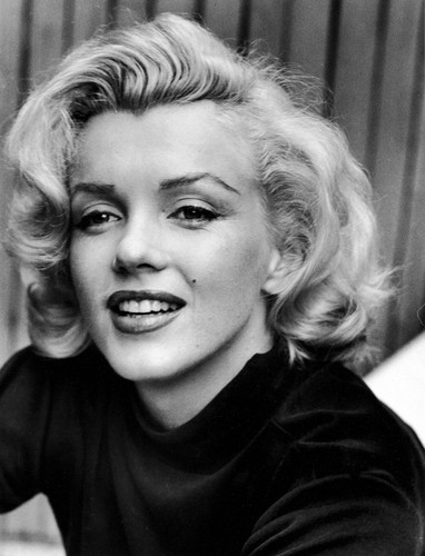 Physical Beauty wallpaper probably containing a portrait called Marilyn Monroe