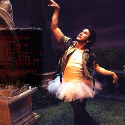 Markiplier پیپر وال titled Mark Fischbach as a Zombie-Ballerina