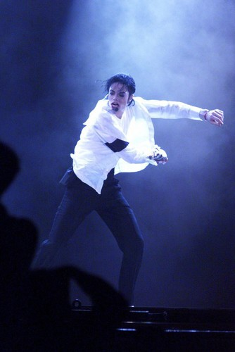 Michael Jackson wallpaper possibly with a concert entitled Michael Jackson