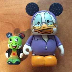 Mickey's pasko Carol Vinylmation Chaser