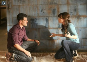 New Girl 4.06 ''Background Check''