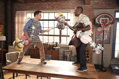 "New Girl Hintergrund probably with a lippizan, a horse trail, and a musiker, namentlich entitled New Girl 4.08 ""Teachers"" Promotional Fotos"
