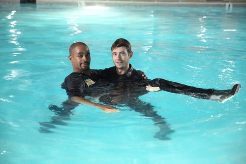 "New Girl Hintergrund possibly with a water and a badende called New Girl 4.08 ""Teachers"" Promotional Fotos"