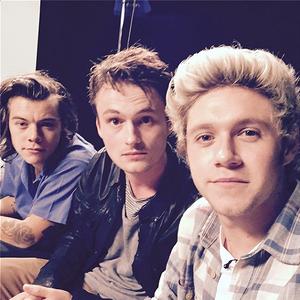 Niall Selfie (x)