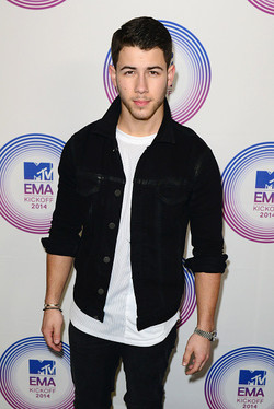 Nick Jonas attends এমটিভি EMA's 2014 Kick Off at Klipsch Amphitheater on November 9, 2014