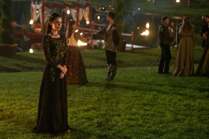 "Reign ""Prince of the Blood"" (2x07) promotional picture"